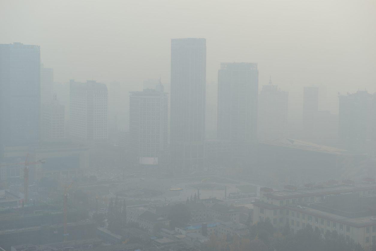 ฝุ่นพิษ PM 2.5 เกินค่า ส่งผลต่อสุขภาพใน 29 เขตของ กทม.