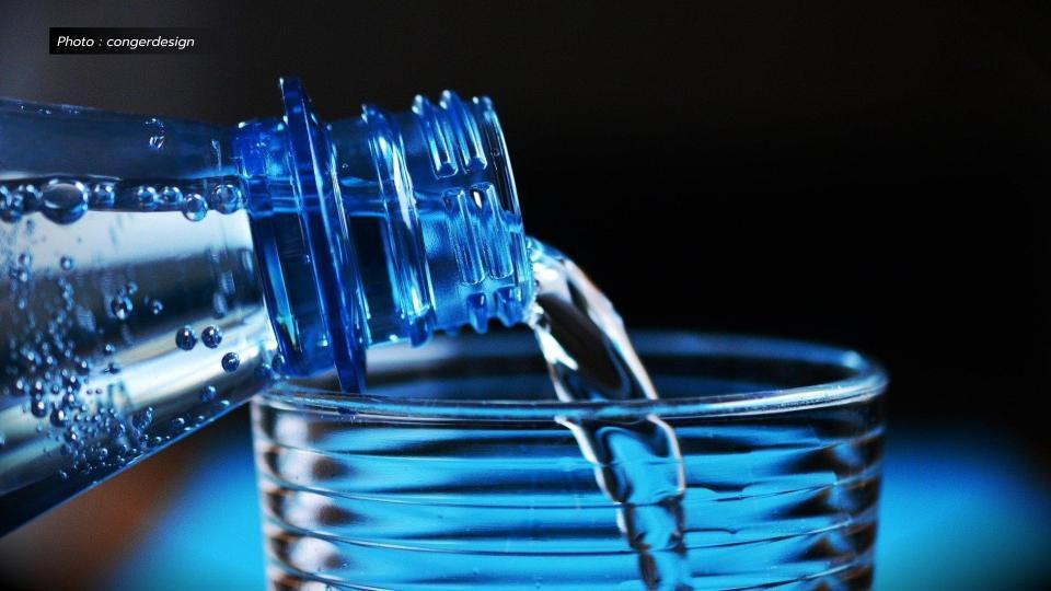 'อ.อ๊อด' ตั้งข้อสังเกตผลตรวจ 'น้ำดื่มผสมวิตามินซี' มีเบื้องหลังหรือไม่!?