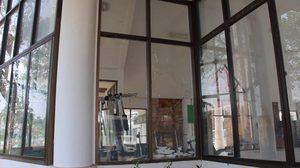 วัยรุ่นป่วนเมืองใช้ก้อนหินปากระจกอาคารฟิตเนสสวนสาธารณะ