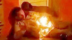 ลี้ลับ ! คลิปคนไฟลุก เพลิงโหมกลางลำตัว นอนแน่นิ่งริมถนน
