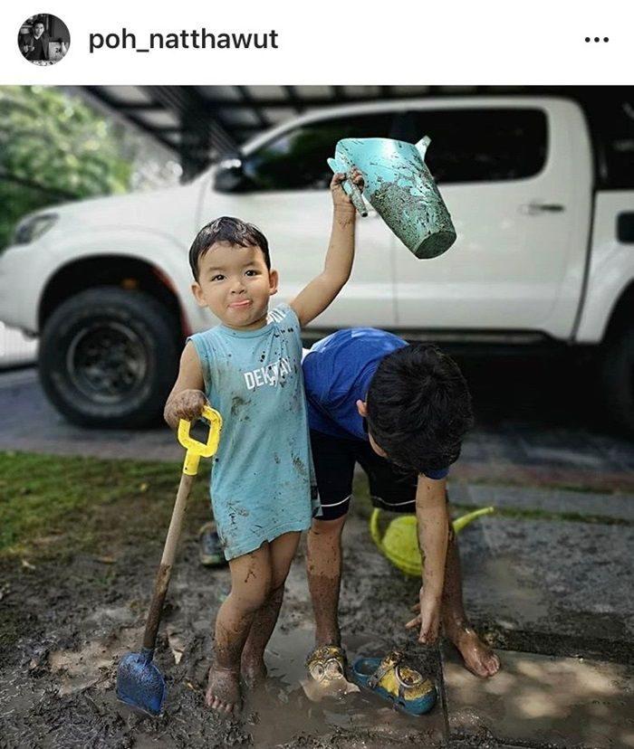 น้องเภา-น้องภู เล่นดินเล่นโคลน