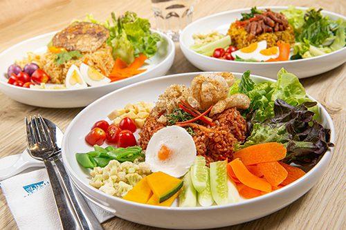 สีฟ้า ขอแนะนำ ข้าวดอกมะขามออร์แกนิค กับ เมนูข้าวผัดน้ำพริก 3 สูตรเด็ด ความอร่อยที่ครบคุณค่าแบบอาหารที่ดี ต้องดีต่อสุขภาพ