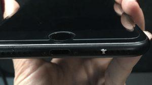 สาหัสกว่าดำเงา!! ผู้ใช้งาน iPhone 7 และ 7 Plus สีดำด้านเจอปัญหาสีลอกแล้ว