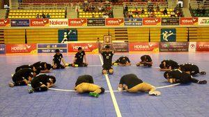 ฟุตซอลทีมชาติไทย ร่วมน้อมเกล้าฯส่งเสด็จ ในหลวง ร.๙ สู่สวรรคาลัย