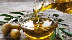 น้ำมันมะกอก VS น้ำมันมะพร้าว น้ำมันชนิดไหน ใช้ทำอาหารได้ดีกว่ากัน?