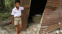 น้ำใจไทย คนแห่ช่วยแล้ว ด.ช.นอนหลบฝนในห้องน้ำนาน 10 ปี
