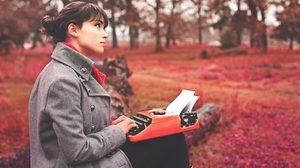 อาชีพนักเขียน อาชีพที่น่าสนใจของวัยรุ่นยุคนี้ กับแรงบันดาลใจในการทำงาน