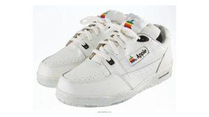 ราคาอย่างแพง!! รองเท้าของ Apple ปี 1990 ราคา 5 แสนบาท