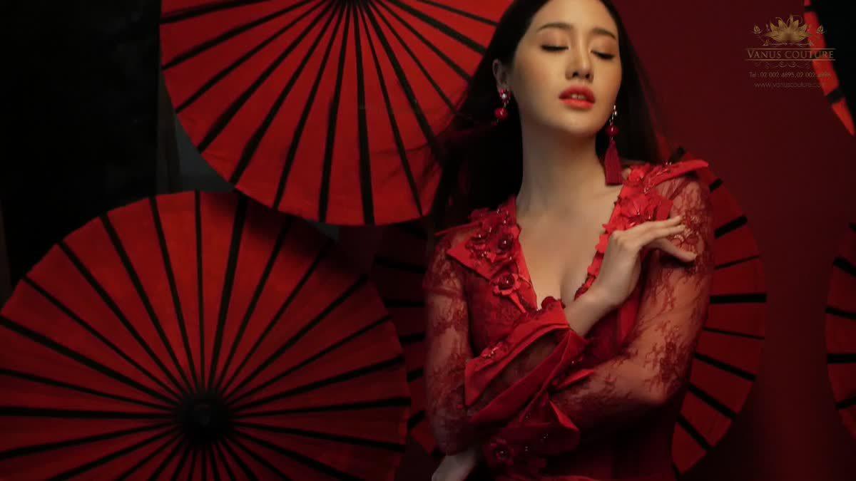 พิมประภา ถ่ายแบบชุดแต่งงาน รับตรุษจีน By ห้องเสื้อ วนัช กูร์ตู