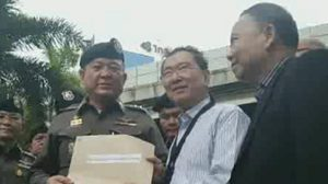 นายร้อยตำรวจ บุกยื่นร้องไทยรัฐรับผิดชอบ หลังเขียนคอลัมน์ทำเสียหาย