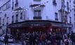 ร้านอาหารในปารีสเปิดบริการอีกครั้งหลังเหตุโจมตี