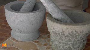 เปิดกรรมวิธี ทำครกหินด้วยมือ สร้างอาชีพทำรายได้ให้ชาวบ้านที่พะเยา