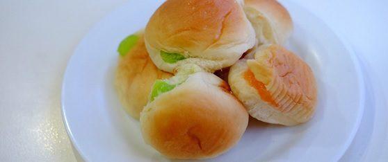 """""""ขนมปังสังขยาใบเตย"""" รสนุ่มหอมมัน อร่อยจนต้องขออีกชิ้น"""