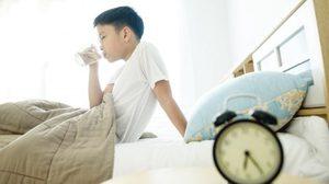 8 ช่วงเวลา ดื่มน้ำ ที่แพทย์แนะนำว่า ลูกน้อยจะสุขภาพดี