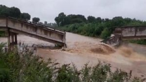 แม่น้ำวังซัดสะพานขาด – ปภ.ลำปางเตือน! รับมือน้ำป่า