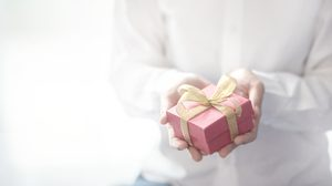 """ไอเดียเลือกของขวัญให้ """"ผู้ใหญ่"""" ที่ถูกใจและถูกโฉลก"""