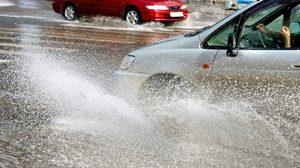 น้ำท่วมระดับไหน ควรและไม่ควรขับรถลุย