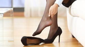 3 ท่าบริหารยืดกล้ามเนื้อฝ่าเท้า-หลัง คลายปวดเมื่อย ลดตะคริวที่น่อง สำหรับคนใส่รองเท้าส้นสูง