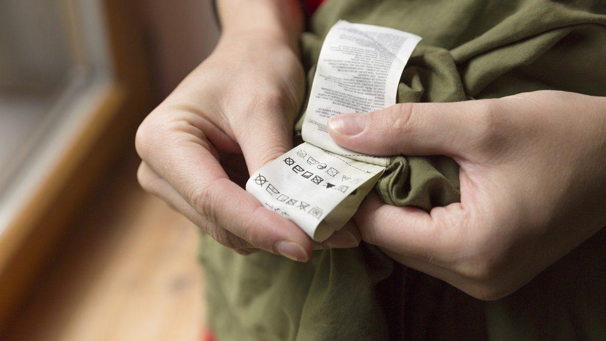 คำอธิบาย สัญลักษณ์บนป้ายเสื้อผ้า ยิ่งซื้อเสื้อผ้ามาแพง ยิ่งต้องรู้!