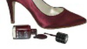 สีรองเท้าสั่งได้ ! ร้านรองเท้าอังกฤษสมองใส เอาใจสาวเยอะ