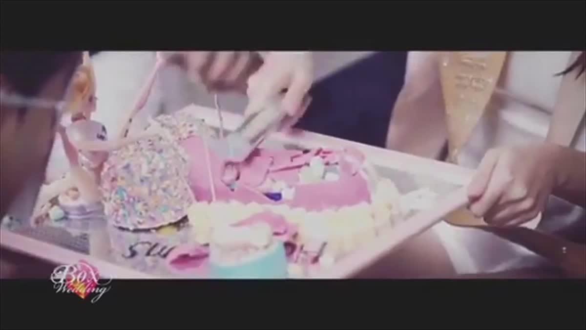 ฮอตออนไลน์ - มาร์กี้ จัดปาร์ตี้สละโสด