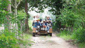 นั่งรถอีแต๊ก ชมทุ่งกุลา สัมผัสวิถีชีวิตชุมชน ที่ กู่กาสิงห์ จ.ร้อยเอ็ด