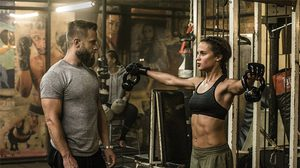 เผยเบื้องหลัง Tomb Raider เผย อลิเซีย วิกานเดอร์ ฟิตเฟิร์มหุ่น ลุยฉากแอคชั่นแบบทุ่มสุดตัว