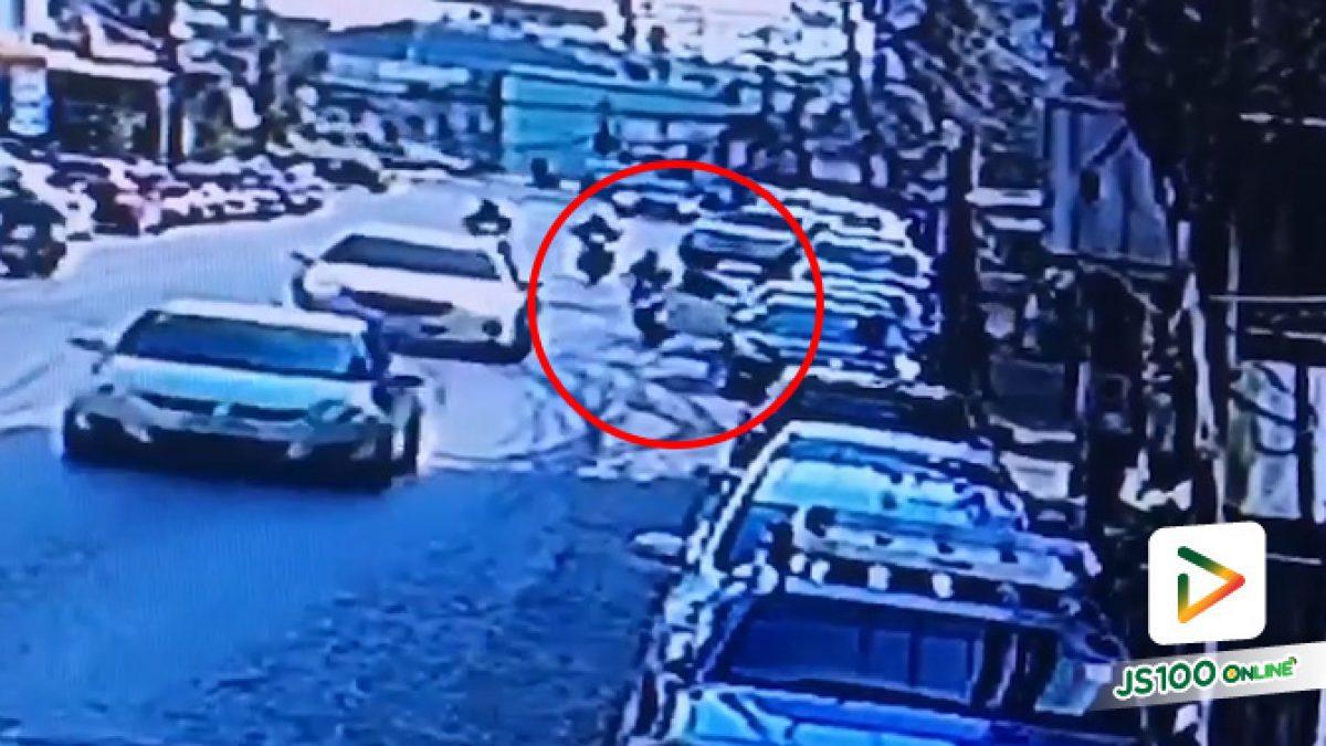 ทำไมเปิดประตูรถไม่มองหลังก่อน สงสารคนขี่รถจยย. จริงๆ (15/01/2020)