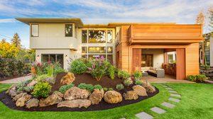 ทริคง่ายๆ แต่งสวนหน้าบ้าน เพิ่มพื้นที่สีเขียวให้บ้านดูมีชีวิตชีวายิ่งขึ้น