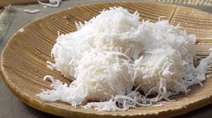 วิธีทำ ขนมต้มใส่ไข่เค็มลาวา แป้งนุ่มๆ ไส้เยิ้ม รสชาติกลมกล่อม