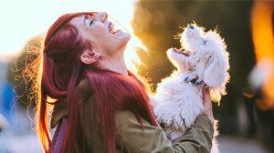 สวยมักนก ตลกมักได้ 5 เหตุผล ทำไมผู้หญิงอารมณ์ดี ถึงไม่ค่อยโดนเท