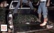 ชาวบ้านหาปลาพบกระสุน 4,000 นัด