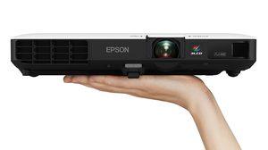 EPSON เปิดตัวโปรเจคเตอร์ซีรี่ส์ใหม่ล่าสุด EB-1700 ขนาดบาง พกพาง่าย