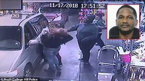 ตำรวจ รัฐโอไฮโอ ไล่ล่าตัวชายหัวร้อน หลังชกเข้าไปที่หน้าพนักงานเต็มๆ เพราะบัตรรูดไม่ผ่าน….??