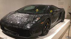 งานอาร์ตราคาแพงกับ รอยขูดขีดบน Lamborghini ที่เดนมาร์ค