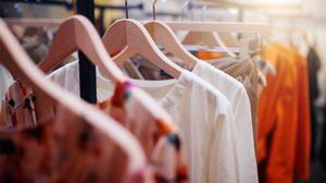 เสื้อผ้าใหม่ จะเลือกใส่วันไหนดี ให้มีโชคลาภ! เริ่มใส่ผิดวันมันไม่ดีนะ แม่หมอขอเตือน
