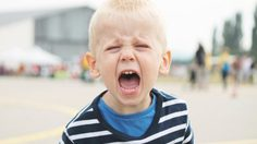 เลี้ยงลูกอย่างไร ไม่ให้น็อตหลุด พร้อมวิธี ฝึกอีคิว ให้ลูกตั้งแต่เล็กๆ