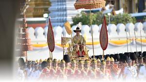 รัฐบาลถวายสดุดี ในหลวงและพระราชวงศ์ ทรงมีพระวิริยะอุตสาหะ