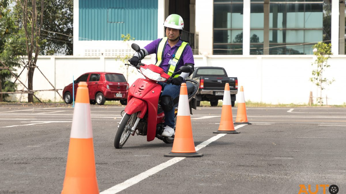 การสอบใบขับขี่จักรยานยนต์มีกี่ขั้นตอนกันแน่??