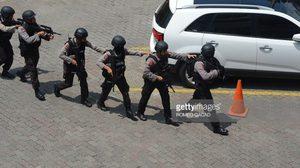ภาพเหตุระเบิดอินโดนีเซีย หลังกลุ่มไอเอสบึ้มฆ่าตัวตายกลางกรุงจาการ์ตา