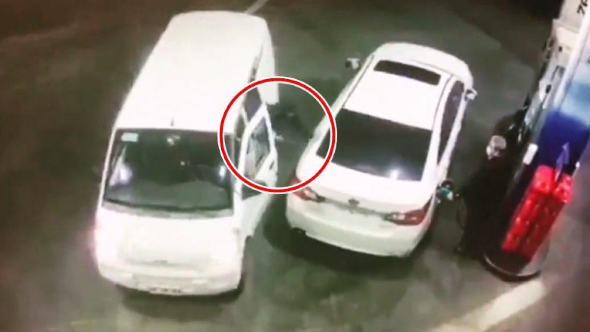 โจ๋บราซิล หวังขโมยรถในปั้มน้ำมัน เจอชายแก่แก้เผ็ดด้วยวิธีนี้ หนีกลับขึ้นรถให้ไว