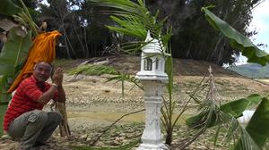 'เกาะสมุย' แล้งจัด! ชาวบ้านตั้งศาลหวังขอฝน แทนการรอความช่วยเหลือจากภาครัฐ