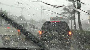 ฝนถล่มกรุง! บางเขน-ลาดพร้าว มีน้ำท่วมขัง รถติดหนัก