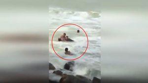 คลิประทึก! นาทีกู้ภัยและชาวบ้าน ช่วยสองหนูน้อยถูกคลื่นทะเลซัด