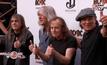 AC/DC เลื่อนคอนเสิร์ต เหตุนักร้องนำมีปัญหาทางการได้ยิน
