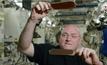 ปิงปองน้ำบนสถานีอวกาศ