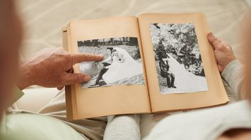 5 เคล็ดลับ รักแบบคนสมัยก่อน ยืดอายุชีวิตคู่ให้ยาวนานขึ้น แบบไม่ต้องฝืน