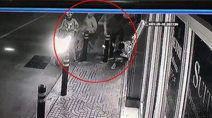 จับแล้ว 3 คนร้าย ขี่ จยย. หาเหยื่อ ก่อนลงไปเตะใบหน้า ชิงโทรศัพท์มือถือ