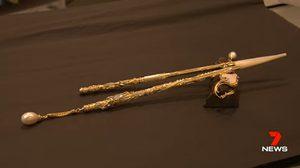ร้านจิวเวลรี่ในออสเตรเลียเปิดตัว ตะเกียบ ทองคำ 18 กะรัต มูลค่า 4.4 ล้านบาท!!