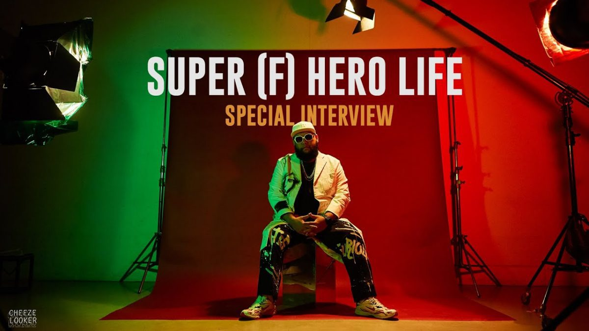 SUPER (F) HERO LIFE